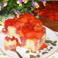 ciasto budyniowe mocno truskawkowe...