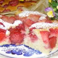 łatwe ciasto kisielowe z truskawkami...