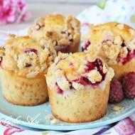 Muffinki z malinami i kruszonką