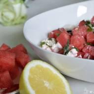 Orzeźwiająca sałatka z arbuza w 5 minut – idealna na upały
