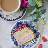 Tort malinowe latte