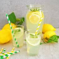 Lemoniada z cytryny i limonki (Limonata al limone e lime)