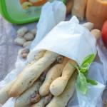 Maślane paluchy z pieprzem cytrynowym i pistacjami