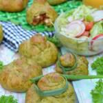 Szpinakowe sakiewki z warzywami i indykiem