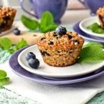 Śniadaniowe muffinki owsiane z jagodami