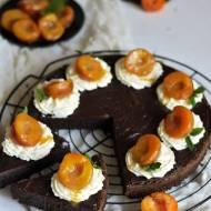 Brownie z kremem mascarpone i karmelizowanymi morelami