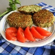 Kotlety wegańskie z naci marchewki, selera i pietruszki