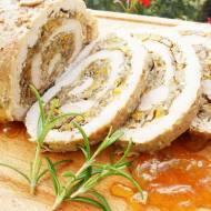 Rolada ze schabu z cukinią, pieczarkami i cebulą