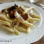 Maccheroni al ferretto w sosie śmietanowo – serowym z truflami