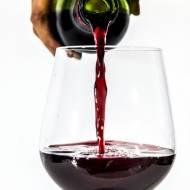 Wypij kieliszek wina jeśli nie chcesz ćwiczyć. Sprawdź dlaczego!