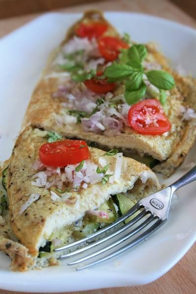Puszysty omlet z cukinią (bez mąki)
