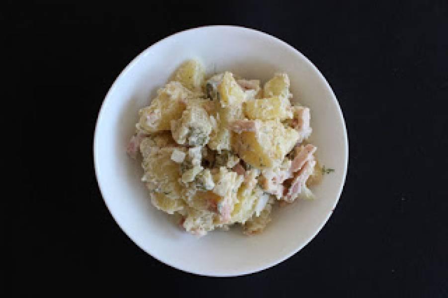 Sałatka ziemniaczana z boczkiem wędzonym
