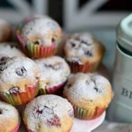Muffinki z owocami (babeczki jogurtowe)