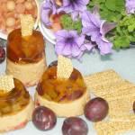 """""""odwrócone"""" mini serniczki z sezamkami,śliwkami, galaretką..."""