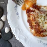 Pieczony dorsz z pomidorami pod mozzarellą