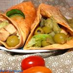 Pomidorowe tortille z zielonym farszem