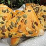 Pszenno-żytnie bułki śniadaniowe z pestkami dyni-pyszne i mięciutkie
