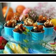 Muffinki czekoladowe z jabłkami