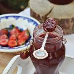 Dżem truskawkowy z octem balsamicznym i wanilią