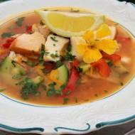 Zupa rybna z wędzonym łososiem