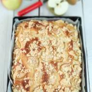 Ciasto drożdżowe z jabłkami i kruszonką