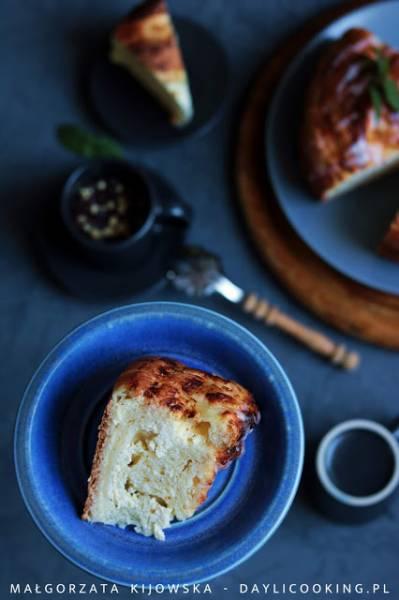 Najpyszniejsze ciasto drożdżowe z waniliowym serem i cytrynowym lukrem