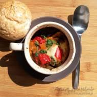 Zapiekanka z kurczaka w stylu bałkańskim z warzywami