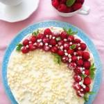 Sernik na zimno z białą czekoladą i malinami (Cheesecake fredda con cioccolato bianco e lamponi)
