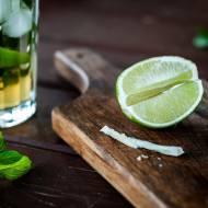 Jak kroić i wycisnąć sok z limonki