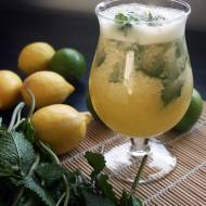 Lemoniada ananasowa