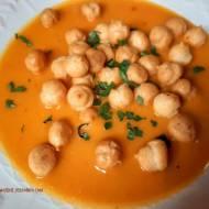 Zupa z pieczonej dyni z pomidorami