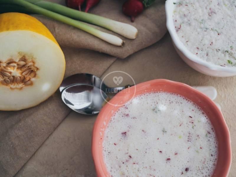 Chłodnik rzodkiewkowy z melonem i kalarepą