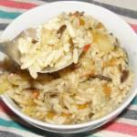 pyszna sałatka ryżowa z warzywami,kurczakiem...