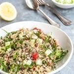Sałatka z kaszy quinoa z pomidorami i awokado