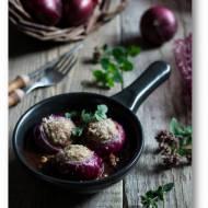 Cebule faszerowane mięsem i zapiekane pod parmezanem