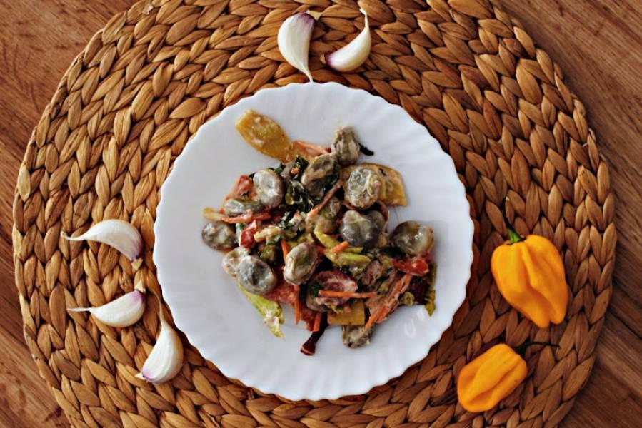 Letnia sałatka z bobem (pikantna)