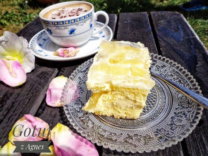 Ciasto ananasowe z kremem i galaretką