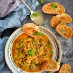 Curry z zieloną soczewicą i cukinią