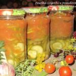Sałatka z ogórków, fasolki i pomidorów do słoików