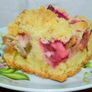 Ciasto ucierane z rabarbarem i kruszonką