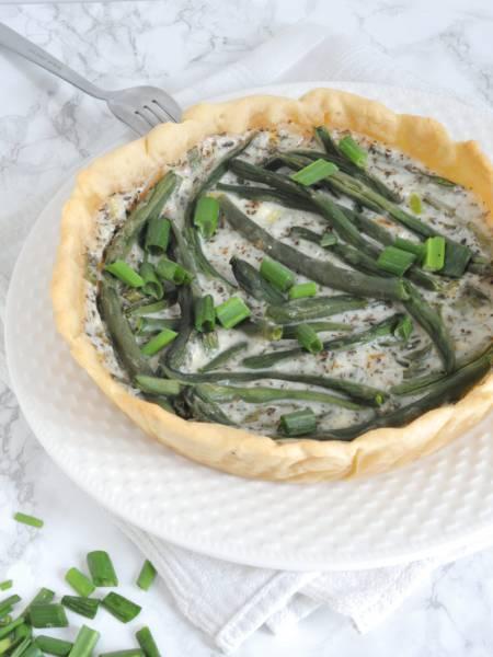 Tarta z fasolką szparagową i kremowym sosem