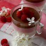 Malinowa panna cotta z czekoladą