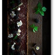 Tarta czekoladowo jeżynowa na orzechowym spodzie – tarta wegańska i bezglutenowa