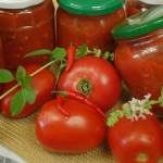 Pomidory krojone do słoików na zimę – domowe przetwory
