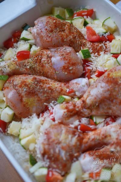 Kurczak zapiekany w ryżu z warzywami