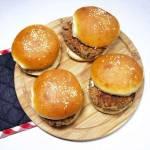 Wtorek: Hamburgery z boczniaków, kaszy i fasoli