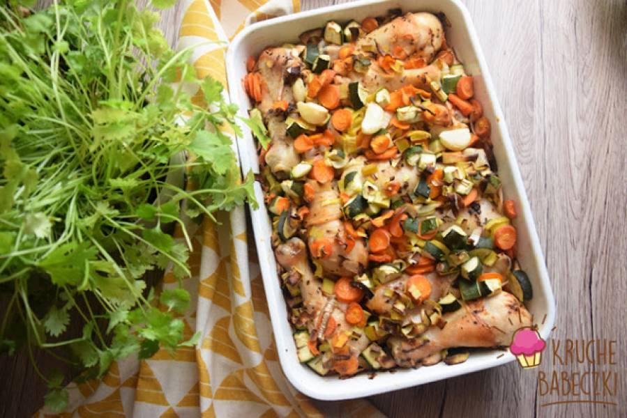 Pałki z kurczaka zapiekane z warzywami