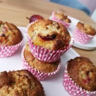 Muffiny z palonym masłem, mąką migdałową i sporą ilością śliwek