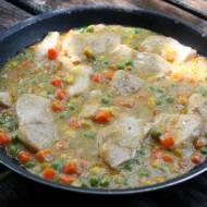Potrawka z kurczaka w warzywach , delikatne danie