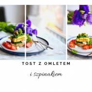 Tost z omletem i szpinakiem
